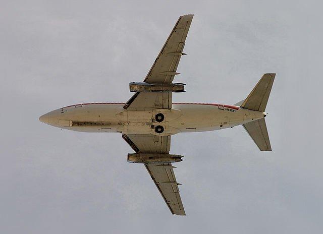 640px Boeing 737 200 planform view